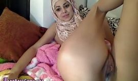 Arab Webcams – Hijab Teen Masturbates And Squirts Creamy Orgasm