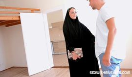 Czech Muslim Katy Rose Is Looking For Housing